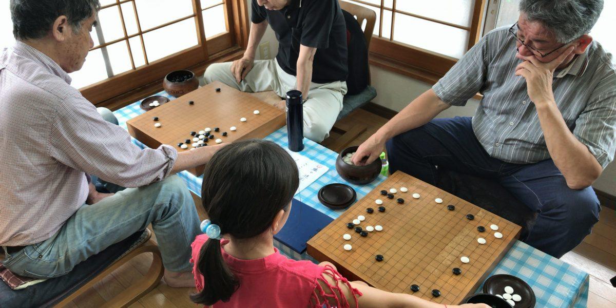 宮崎の碁会所・囲碁センター天元は、子どもも大人も学べる囲碁教室です。